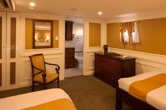 Cormorant-Deck-Twin-Premium-Staterooms