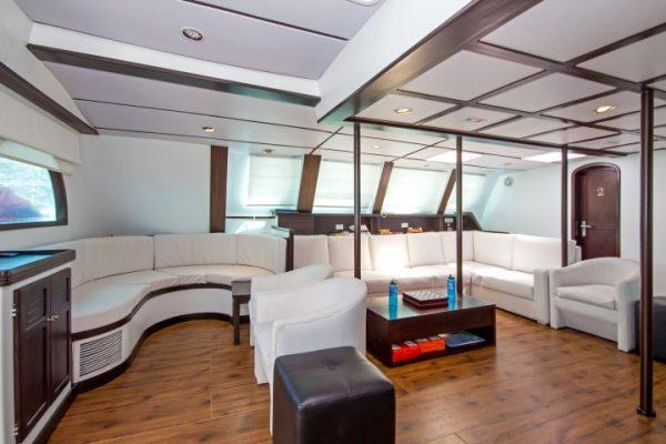 Nemo III Living room