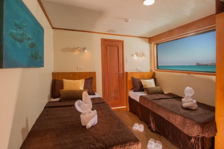 galapagos cruise yacht