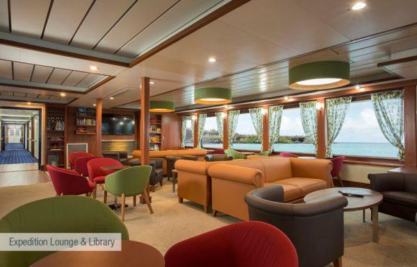 galapagos-santa-cruz-expedition-lounge-and-library-880x564
