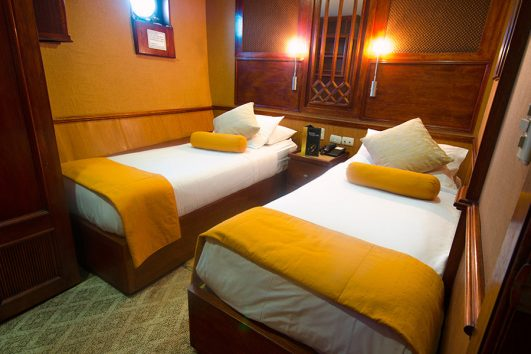 grace-yacht-cabin_carolina-deck-twin-premium-staterooms