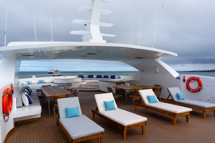 Infinity - Birdwatching Galapagos Cruises