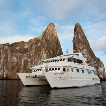 Seaman Journey 450a - Birdwatching Galapagos Cruises