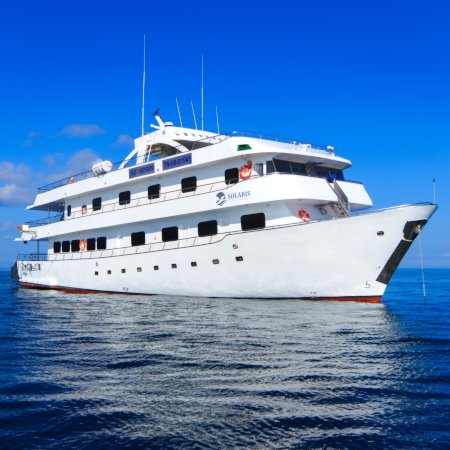 Solaris 450 - Birdwatching Galapagos Cruises