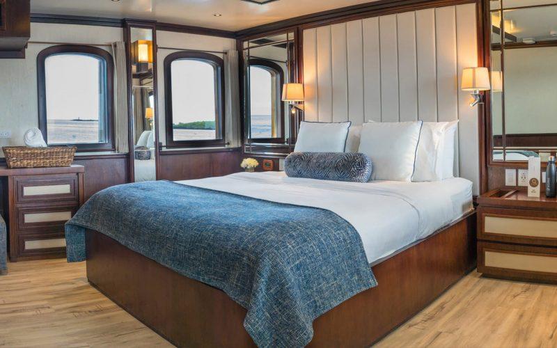 grace-yacht-cabin-1
